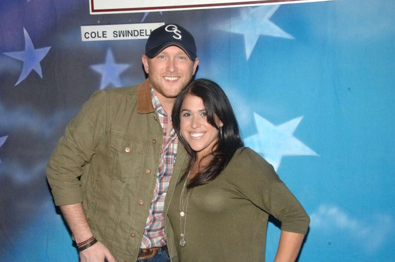 cole swindell meet and greet pictures with chris